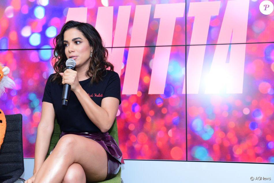 Anitta lança clipe 'Paradinha' e nega saia-justa com Iggy Azalea em coletiva nesta quarta-feira, dia 31 de maio de 2017