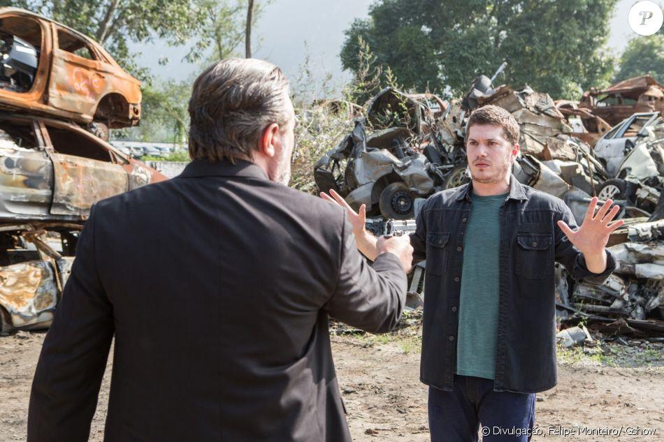 Alex (Caio Paduan) é assassinado a mando de Salvatore (Simon Petracchi), nos últimos capítulos da novela 'Rock Story', que termina em 5 de junho de 2017