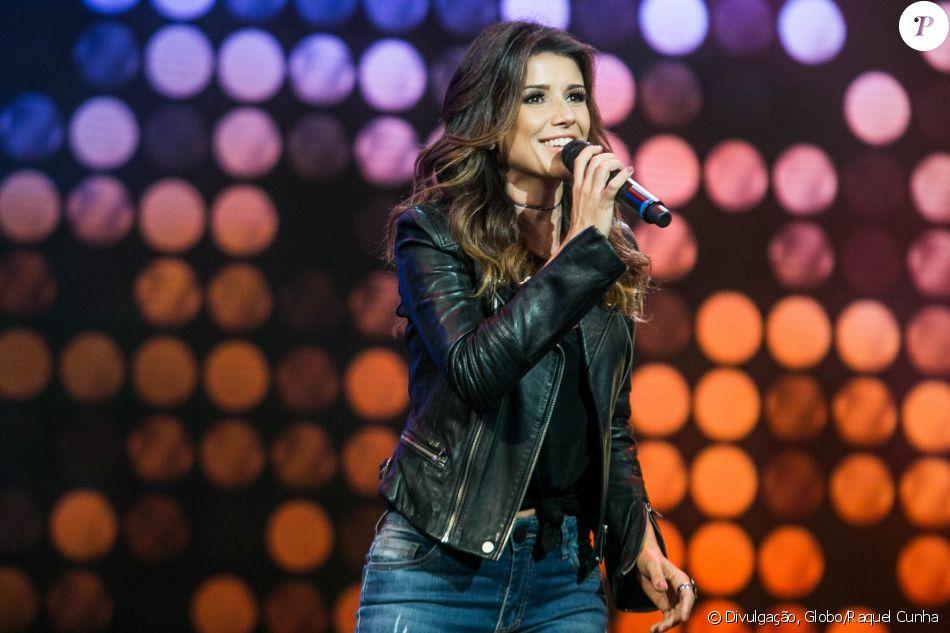 Paula Fernandes assume namoro com cantor nas redes sociais