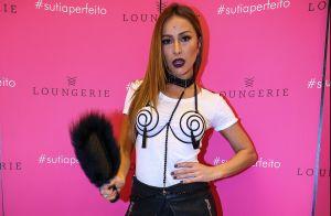 Sabrina Sato usa look com inspiração sadomasoquista em evento de lingerie. Fotos