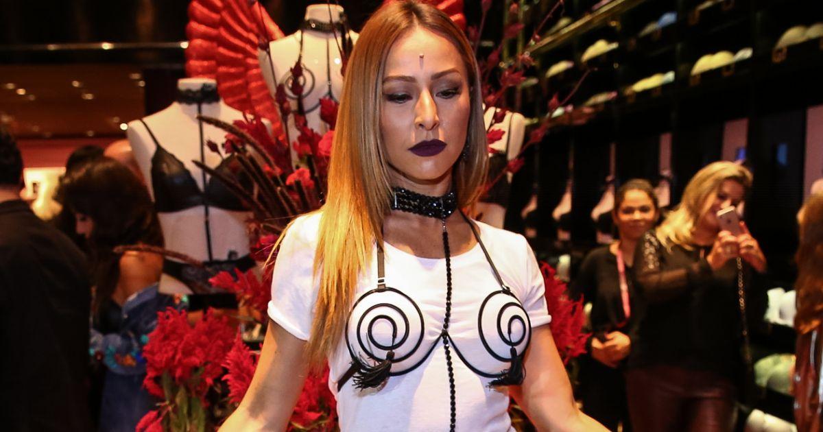 bdbabc8181168 Sabrina Sato esteve em um evento da grife Loungerie