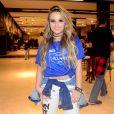 Larissa Manoela tem recebido o carinho de Thomaz Costa durante viagem para Salvador