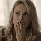 Gafe na TV: Paolla Oliveira atende celular ao contrário em 'A Força do Querer'