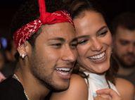Neymar ganha rótulo de amigos em programa: 'Melhor namorado do grupo'