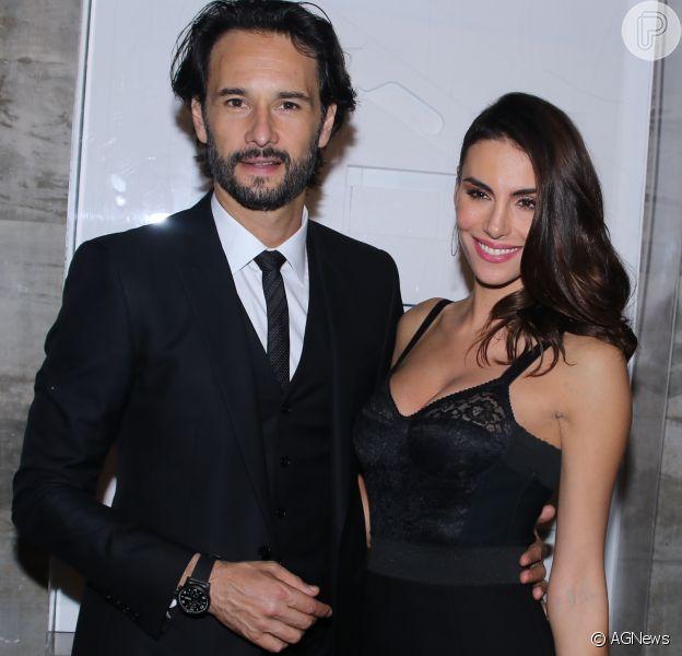 Nasceu a primeira filha do casal Rodrigo Santoro e Mel Fronckowiak, na semana passada, no Rio