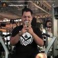 Naiara Azevedo, após emagrecer 33 kg, mostrou disposição em treino na academia nesta sexta-feira, 9 de junho de 2017
