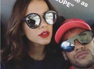 Neymar e Bruna Marquezine posam juntos e ele mostra flores: 'Meu amor'