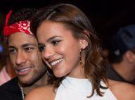 Bruna Marquezine e Neymar curtem noite nos EUA e atriz dança sensual em boate
