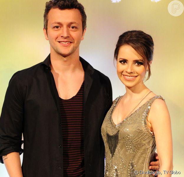 Lucas Lima entregou no programa 'Tamanho Família' deste domingo, 11 de junho de 2017, que tem dificuldade de ser romântico com Sandy por causa dos seguranças de sua mulher