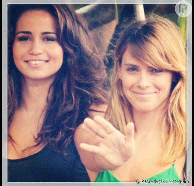 Carolina Dieckmann se despede da personagem Jéssica e posta foto em seu Instagram com a amiga Nanda Costa, em 19 de janeiro de 2013