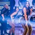 Anitta, que está fazendo sucesso com o hit 'Paradinha', arrancou elogios ao contratar dançarina plus size para o seu balet
