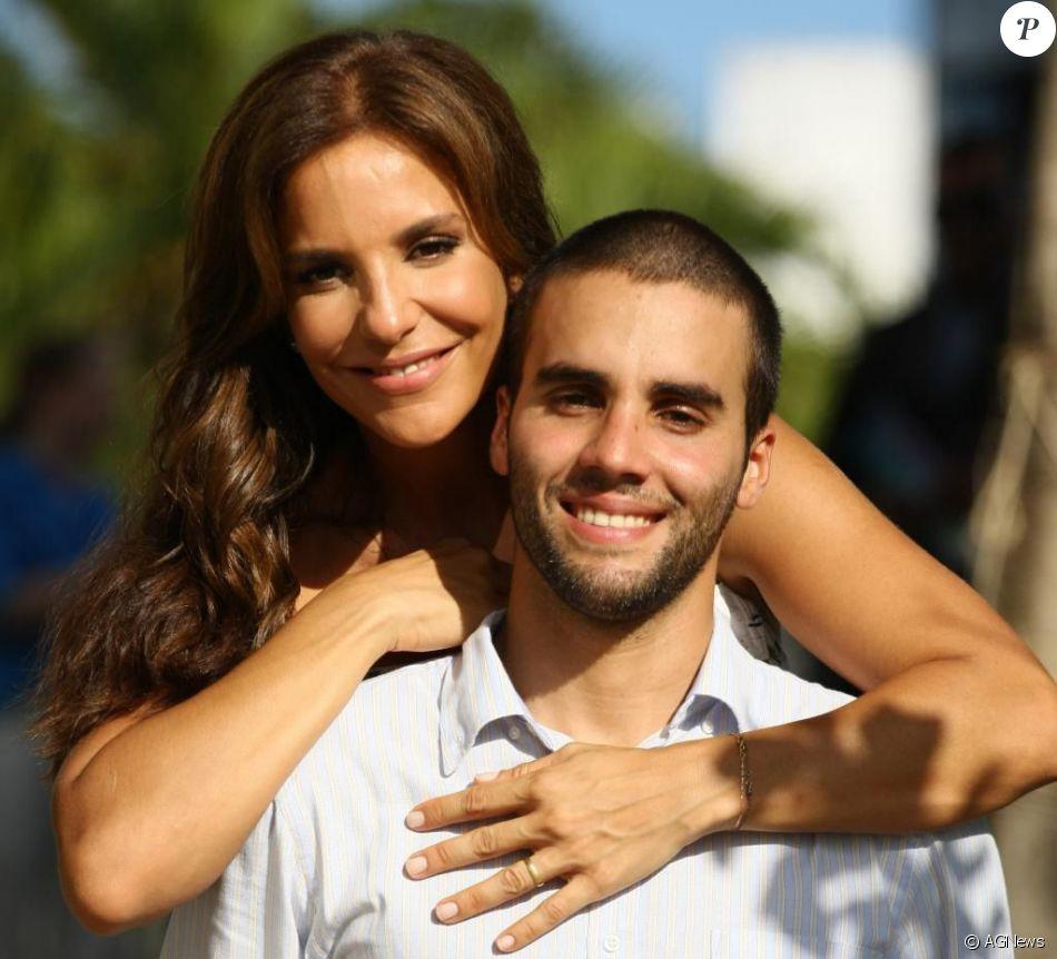 Ivete Sangalogosta de apelidar amigos do marido e o envergonha