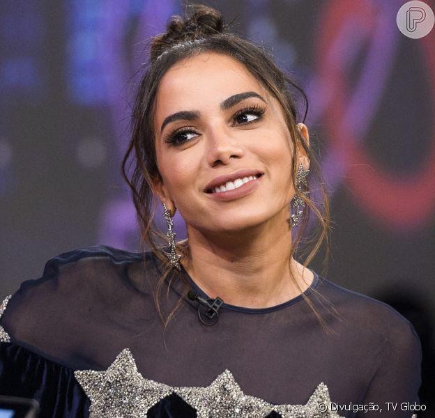 Anitta explica por que não assume namoro com anônimo em entrevista a Léo Dias nesta sexta-feira, dia 16 de junho de 2017