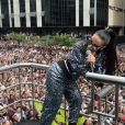 Anitta cantou 'Paradinha', seu novo sucesso