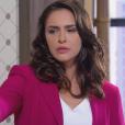 Verônica (Elisa Brites), envergonhada ao ouvir as palavras de Nicole (Dani Gondim), pede demissão, mas Gustavo (Carlo Porto) não aceita que a secretária deixe o cargo, na novela 'Carinha de Anjo'