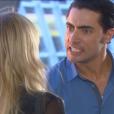 Gustavo (Carlo Porto) chega ao aeroporto antes que Nicole (Dani Gondim) consiga fugir e a desmascara, no capítulo que vai ao ar quarta-feira, dia 28 de junho de 2017, na novela 'Carinha de Anjo'