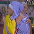 Cecília (Bia Arantes) conta a Fátima (Rai Teichimam) que irá deixar de ser noviça e pede para morar em sua casa, no capítulo que vai ao ar segunda-feira, dia 26 de junho de 2017, na novela 'Carinha de Anjo'