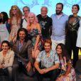 O diretor Luiz Fernando Carvalho posa com o elenco na coletiva de lançamento de 'Meu Pedacinho de Chão'