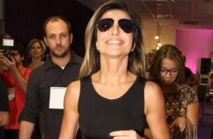 c9f408e3ebe04 Com as pernas de fora, Sabrina Sato lança nova linha de óculos em São  Paulo. Óculos que Paul Walker usou no dia do acidente são leiloados ...