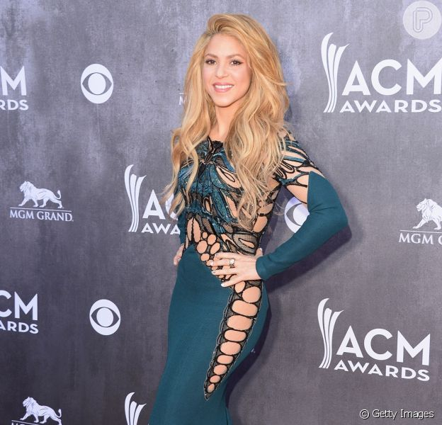 Shakira roubou a cena no tapete vermelho do Academy of Country Music Awards, na noite de domingo, 6 de abril de 2014, em Las Vegas