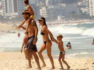 Fernanda Lima e Rodrigo Hilbert brincam com os filhos gêmeos na praia