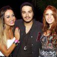 Luana Santana posa ao lado das ex-BBBs Amanda Gontijo e Leticia Santiago