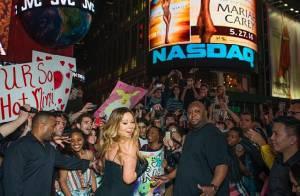 Mariah Carey divulga novo CD na Times Square e causa alvoroço com fãs