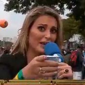 No estilo 'Pânico', Andressa Urach estreia na RedeTV! e entrevista políticos