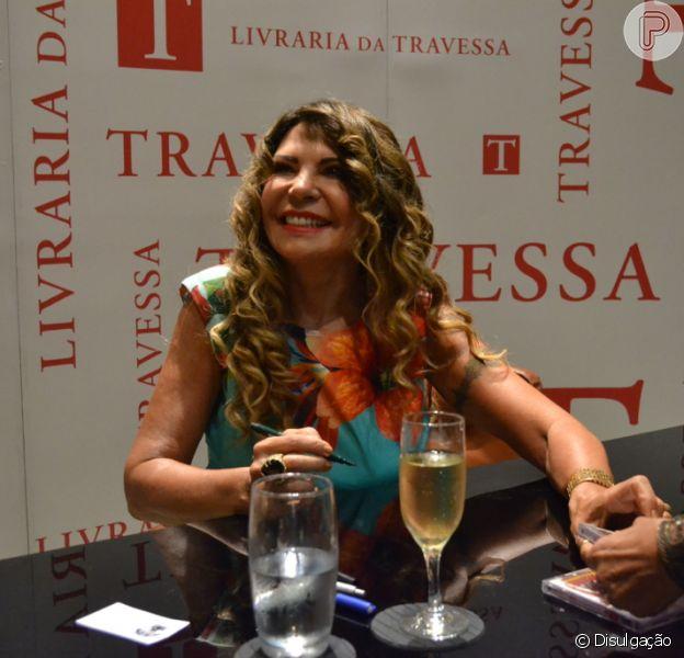 Elba Ramalho revela que está em uma numa fase: 'Me consagrei definitivamente com Nossa Senhora. Não estou namorando, estou casta'