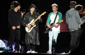 One Direction recebe recado de Pelé durante show em SP: 'Vamos tocar juntos'