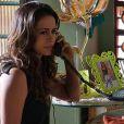 Morena, personagem de Nanda Costa em 'Salve Jorge', faz denúncia anônima a respeito do tráfico de bebês e coloca Wanda atrás das grades