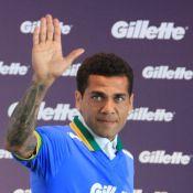 Daniel Alves e Rodrigo Faro se reúnem com jogadores da Seleção em São Paulo