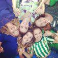 As atrizes de 'Malhação' Fernanda Souza, Milena Toscano e Isabella Garcia vestiram a camisa para torcer durante a Copa