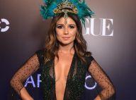 Paula Fernandes alia decote profundo e transparência em baile: 'Deusa das águas'