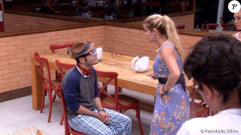 'BBB18': Jaqueline enfrenta Mahmoud após o sexólogo acusá-la de prometer o Anjo e não cumprir