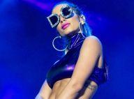 Anitta usa biquíni e óculos grifados de R$ 4.400 em dia de piscina. Foto!