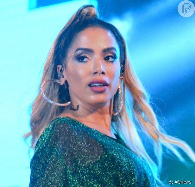 Anitta fez correção no nariz após plástica: 'Algumas ficaram mal feitas'