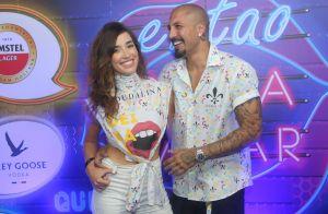 Ex-BBB Fernando Medeiros leva nova namorada, Carol Alves, à Sapucaí. Foto!
