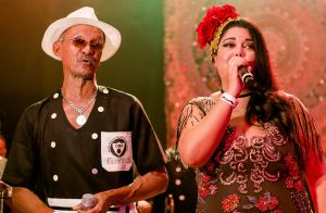 Fabiana Karla adota estampa floral em look gipsy para baile: 'Mistura elegante'