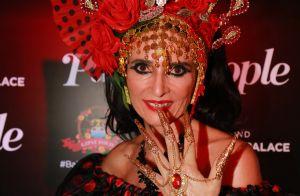 Andréa Natal se destaca com look volumoso no Baile do Copa: 'Cigana tradicional'