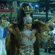 Gracyanne Barbosa estreou como rainha da União da Ilha, na madrugada desta terça-feira, 13 de fevereiro de 2018