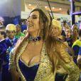 Marisa Orth reviveu o divertido papel de Magda e usou uma gargantilha com o nome 'Caco', personagem de Miguel Falabella em 'Sai de Baixo', no desfile da Unidos da Tijuca
