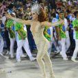 Claudia Raia foi fantasia de estrela-guia no desfile da Beija-Flor