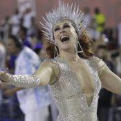Claudia Raia aponta alerta em desfile da Beija-Flor: 'Hino do lamento'. Vídeo!