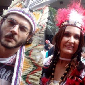 Carnaval Gadelha. Foto do site da Pure People que mostra Fátima Bernardes e Túlio Gadêlha curtem bloco de rua no Carnaval do Rio. Fotos!