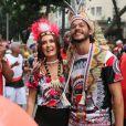 Lindos e felizes! Fátima Bernardes e Túlio Gadêlha no bloco Cacique de Ramos