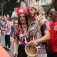 Túlio Gadêlha chegou na terça-feira para curitr o bloco de Carnaval Cacique de Ramos com a namorada, Fátima Bernardes