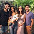 Débora Nascimento recebeu amigos no chá de bebê da filha, Bella