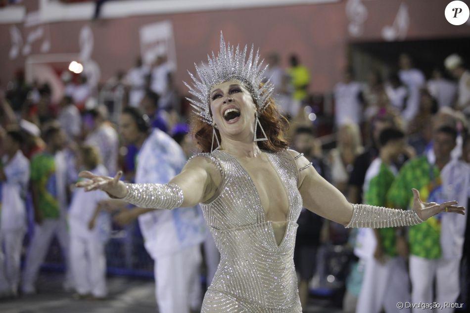 Claudia Raia e mais famosos comemoram título de campeã do Carnaval do Rio conquistado pela Beija-Flor nesta quarta-feira, dia 14 de fevereiro de 2018