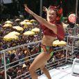 Claudia Leitte celebra 10 anos e estreia bloco 'Largadinho' na capital paulista